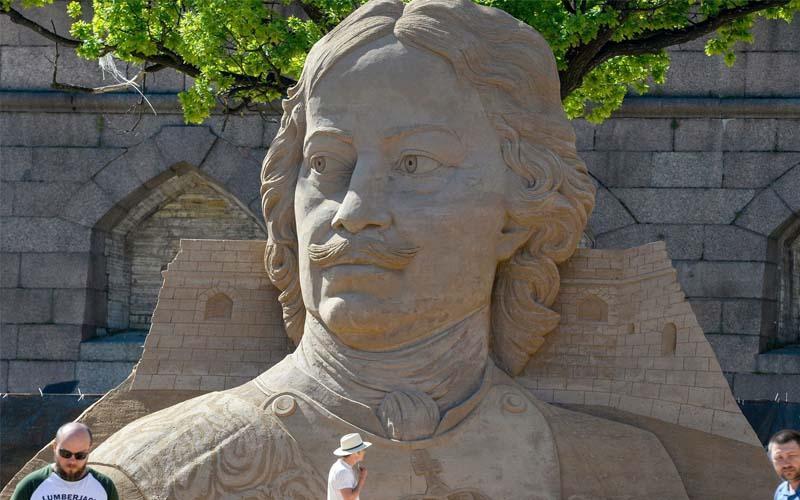 تصاویر جشنواره مجسمه های شنی در روسیه,عکسهای جشنواره مجسمه های شنی 2018,عکس های مجسمه های شنی در سن پترزبورگ