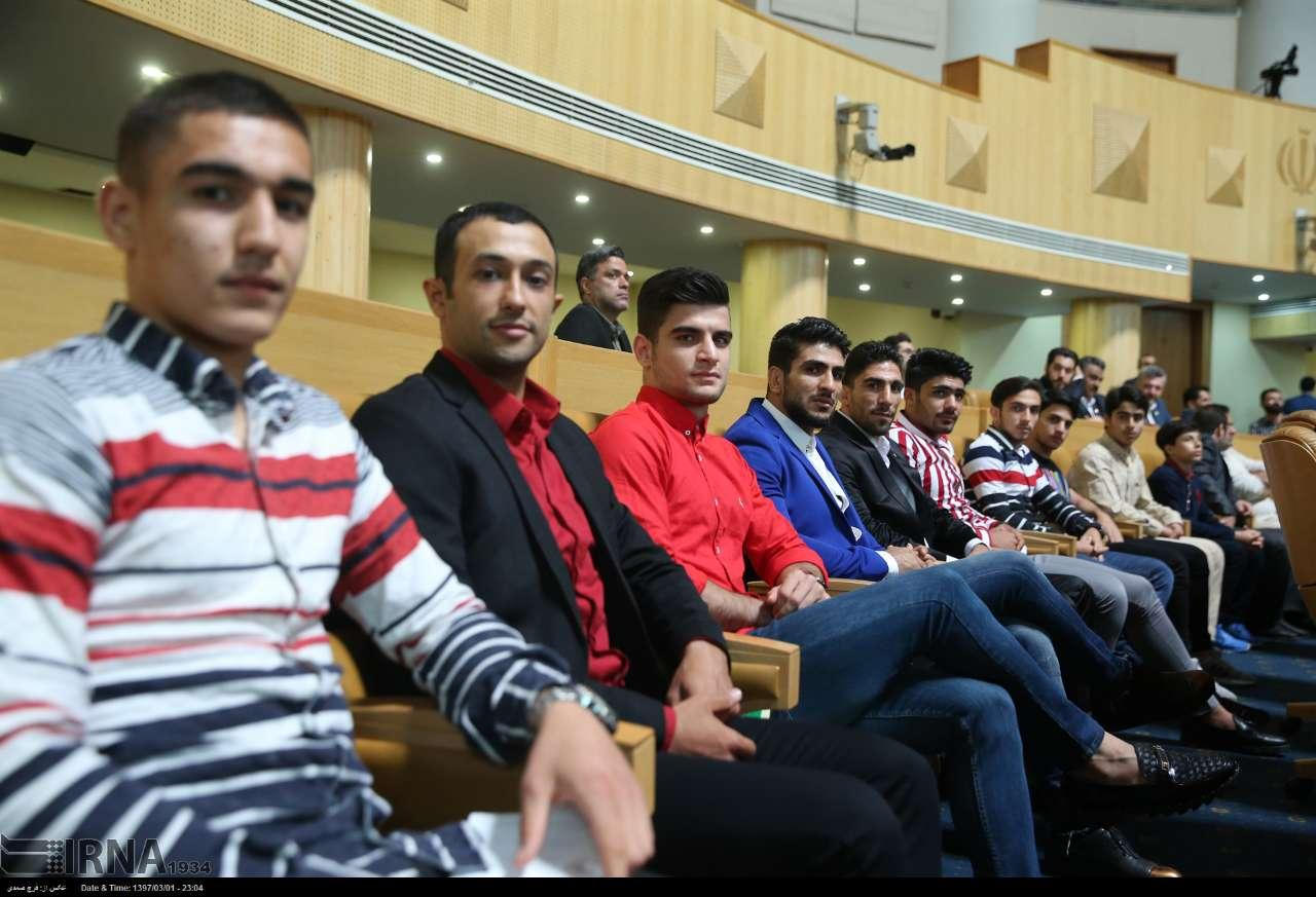 تصاویر دیدار روحانی با ورزشکاران,عکس های ملاقات حسن روحانی با ورشکاران,تصاویر دیدار ریاست جمهوری با ورزشکاران