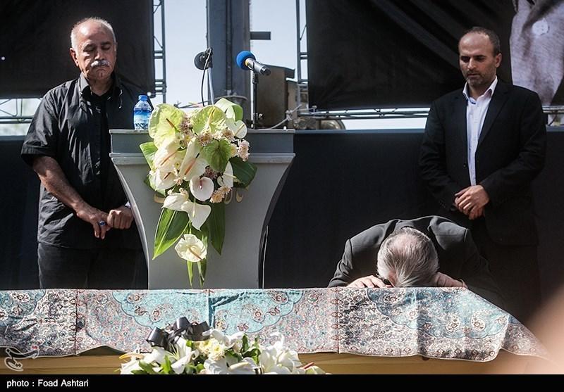 تصاویر مراسم تشییع عزتالله انتظامی,تصاویر مراسم خاکسپاری عزتالله انتظامی,تصاویر مراسم ترحیم عزتالله انتظامی