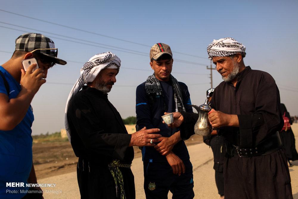 تصاویر پیاده روی زائران اربعین,تصاویر پیاده روی مسیر بصره به سمت کربلا,تصاویرزائران پیاده اربعین مهر97