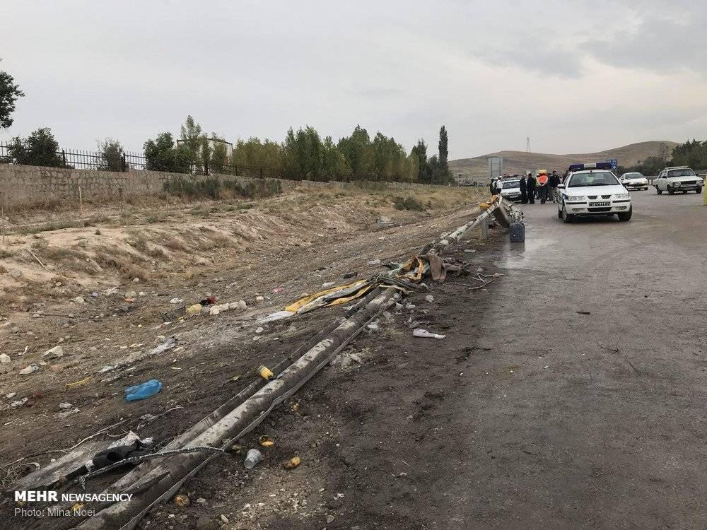 تصاویر واژگونی اتوبوس دانش آموزان در تبریز,عکس های واژگونی اتوبوس دانش آموزان در تبریز,عکس تصادف اتوبوس دانش آموزان در تبریز