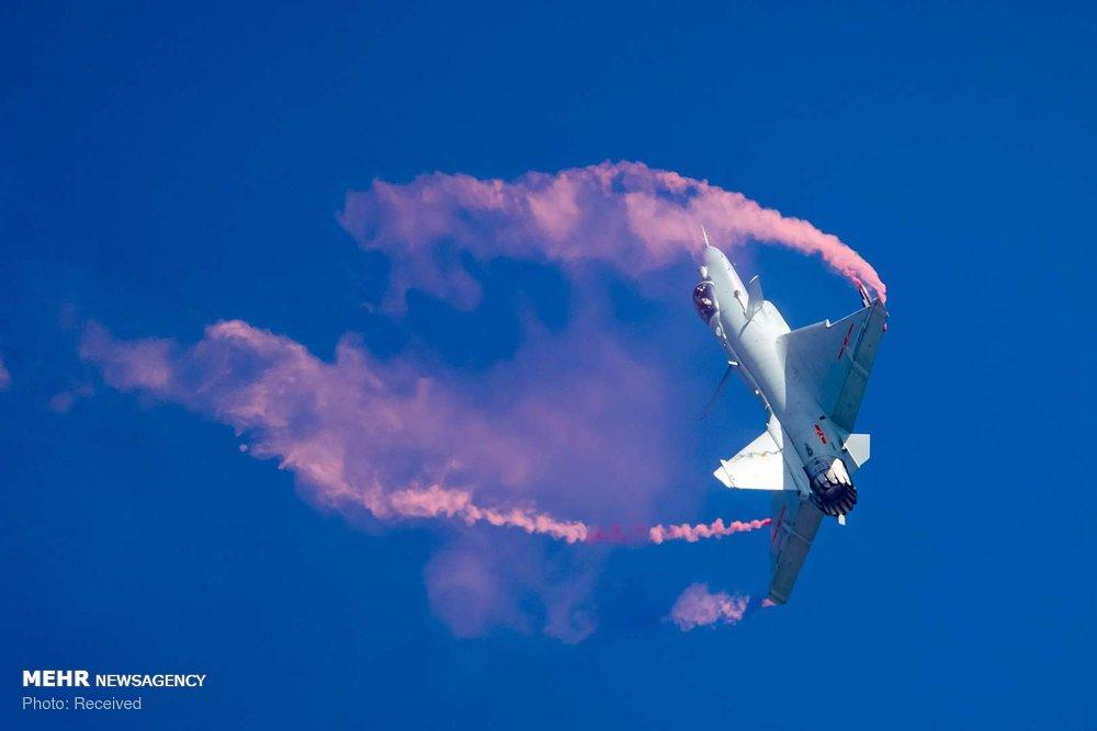 تصاویرنمایش هوایی در چین,عکس های نمایش هوایی در چین,تصاویر ژوهای به اجرای نمایش هوایی چین