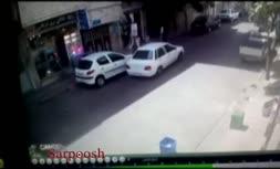 ویدئو/ گردنبند قاپی از یک خانم در پوشش تصادف ساختگی