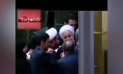 فيلم/ دست بوسی حسن روحانی توسط نماینده آمل