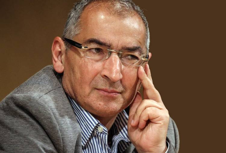 زیباکلام: شایدمجبور شویم به ناطق نوری و علی لاریجانی رأی دهیم/ بهزاد نبوی تغییر کرده همانطور که هاشمی رفسنجانی تغییر کرد