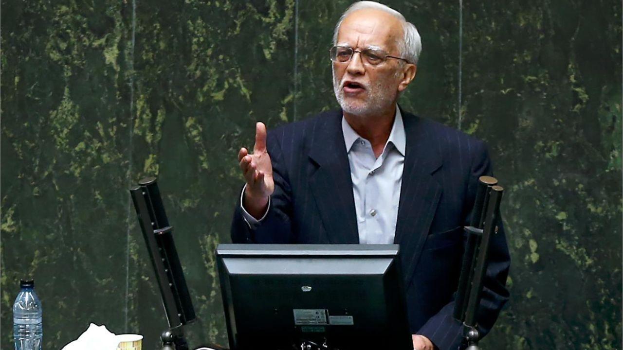 هاشمزایی: مجلس و لاریجانی زیر بار دخالت مجمع نخواهند رفت