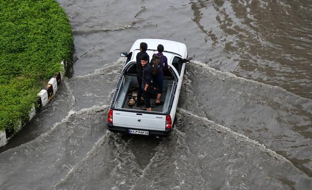 تعطیلی مدارس خوزستان به علت بارش باران,نهاد های آموزشی,اخبار آموزش و پرورش,خبرهای آموزش و پرورش