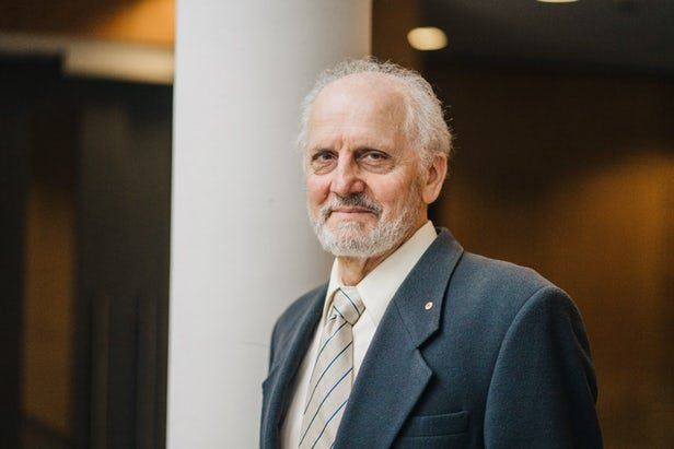 پروفسور جورج پاکسیونس,اخبار پزشکی,خبرهای پزشکی,تازه های پزشکی