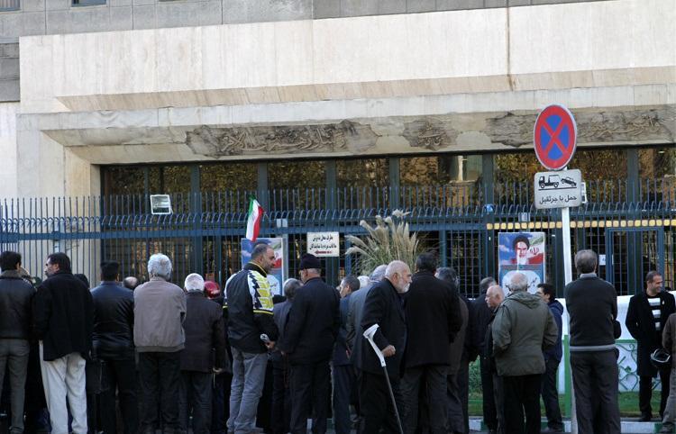 تجمع جمعی از کارگران تهرانی مقابل مجلس
