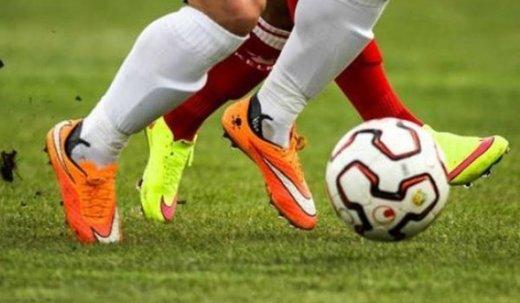 قلیان کشیدن بازیکن فوتبال,اخبار ورزشی,خبرهای ورزشی,اخبار ورزشکاران