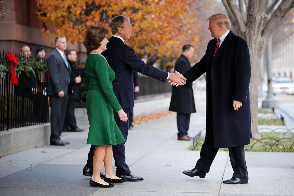 تصاویر دونالد ترامپ در مراسم تشییع جنازه بوش پدر,تصاویر ملانیا ترامپ در مراسم تشییع جنازه بوش پدر,عکس دونالد ترامپ و همسرش در مراسم تشییع جنازه بوش پدر
