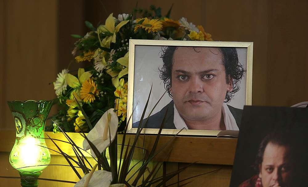 تصاویر مراسم ختم پیام صابری,عکس مراسم درگذشت پیام صابری,تصاویر هنرمندان در مراسم ختم پیام صابری