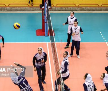 تصاویر هفته پنجم لیگ والیبال بانوان,عکس های والیبال بانوان,تصاویر بازی تیمهای مبنا تجارت کاسپین و پیکان تهران