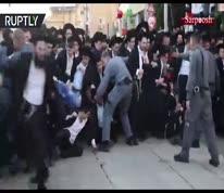 ویدئو/ درگیری پلیس رژیم صهیونیستی با یهودیهای ارتدکس افراطی
