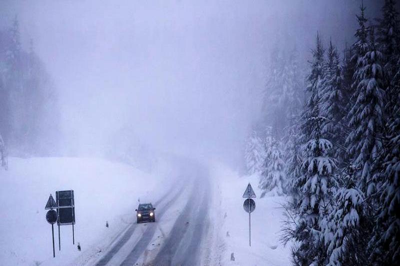 97 10 c29 2739 - بارش برف سنگین در آلمان جان سه نفر را گرفت