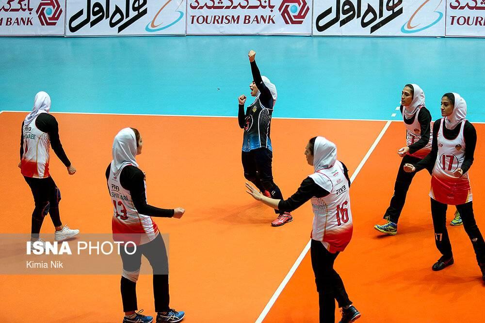 تصاویر هفته هشتم لیگ والیبال بانوان,عکس های والیبال بانوان,تصاویر یدار تیمهای پیکان تهران و توپکا