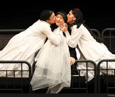 تصاویر نمایش خانه برناردا آلبا,عکس های تئاتر خانه برناردا آلبا,تصاویر نمایش جدید علی رفیعی