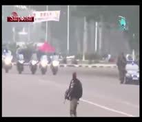 فیلم/ روش عجیب بادیگاردها برای حفاظت از رئیس جمهور کنگو!