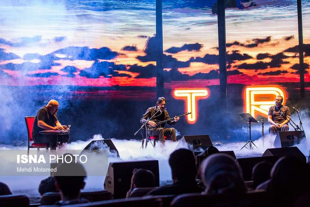 تصاویر کنسرت گروه تکسیم تریو,عکس های گروه تکسیم تریو,تصاویر کنسرت تکسیم تریو در برج میلاد