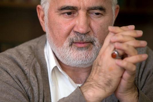 احمد توکلی: خاتمی قبل از ۸۸ مرتب با رهبری جلسه داشت/ از اعتراض روشنفکران نگران نباشیم/ شیوع تمایلات رفاهطلبانه بین مسئولان بعد از جنگ