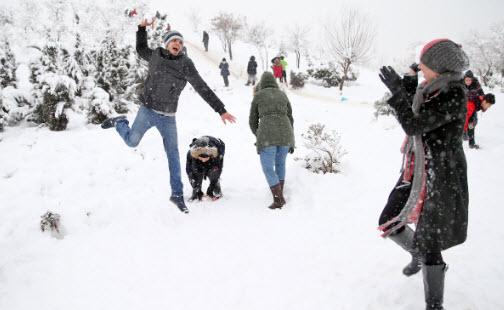 برف بازی,اخبار اجتماعی,خبرهای اجتماعی,آسیب های اجتماعی