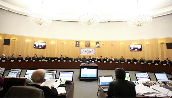 مخالفت اولیه کمیسیون تلفیق با افزایش قیمت بنزین