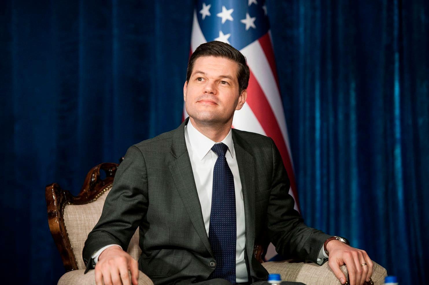 معاون وزیر خارجه آمریکا استعفا کرد