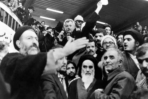 روایتهای جدید بریتانیا در سالگرد انقلاب ایران/ ماجرای کمکهای تسلیحاتی انگلستان به انقلابیون چه بود؟