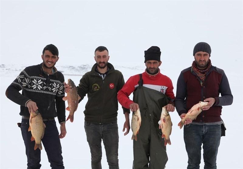 ماهیگیری در برکههای یخزده ترکیه,اخبار جالب,خبرهای جالب,خواندنی ها و دیدنی ها