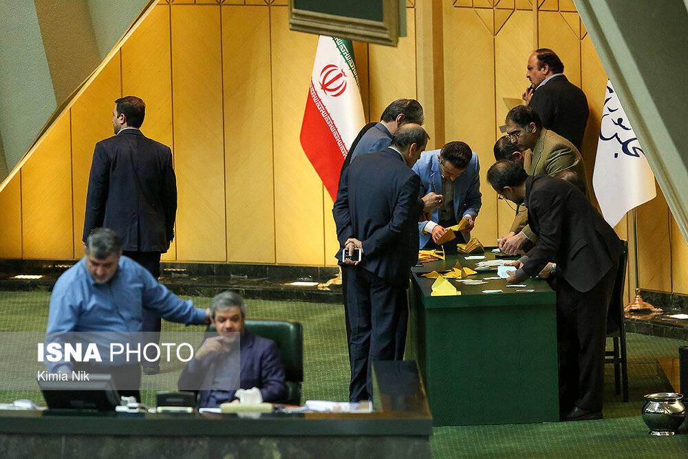 تصاویر جلسه رای اعتماد سعید نمکی,عکسهای رای اعتماد وزیر پیشنهادی بهداشت,عکس های روحانی در جلسه وزیر پیشنهادی بهداشت