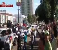 فیلم/ حمایت نیروهای پلیس شهر کارابوبو از تظاهرکنندگان ونزوئلایی