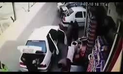 ویدئو/ له شدن زن و شوهر زیر خودرو بر اثر استارت زدن کودک در نجف آباد اصفهان