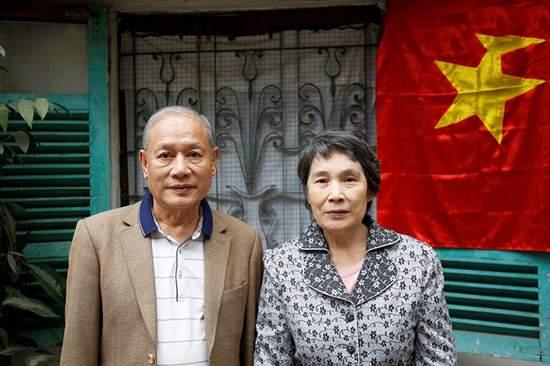 97 12 c32 1096 - زوجی که به علت مشکلات سیاسی سه دهه از ازدواج منع شده بودند