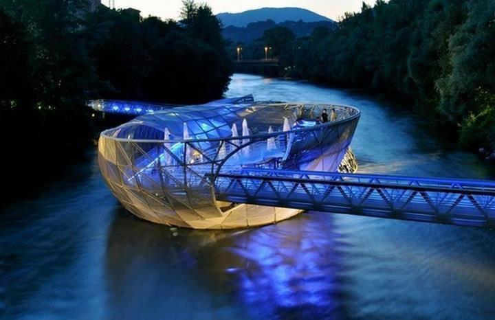 97 12 c35 670 - عجیبترین پلهای دنیا