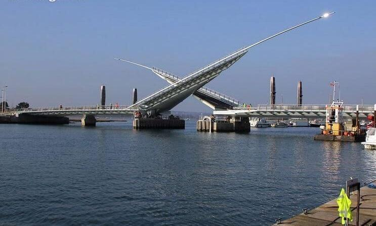 97 12 c35 673 - عجیبترین پلهای دنیا