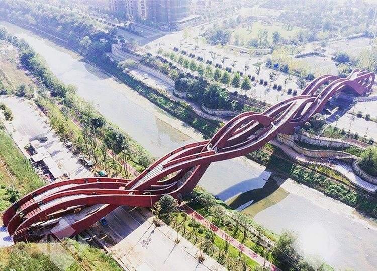 97 12 c35 675 - عجیبترین پلهای دنیا