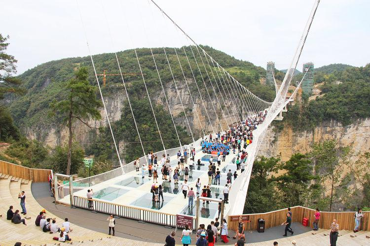 97 12 c35 676 - عجیبترین پلهای دنیا