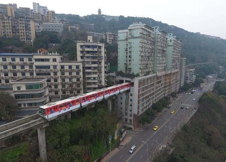 97 12 c35 678 - عجیبترین پلهای دنیا