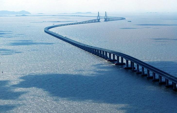97 12 c35 688 - عجیبترین پلهای دنیا