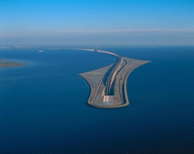 97 12 c35 692 - عجیبترین پلهای دنیا