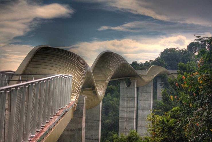 97 12 c35 694 - عجیبترین پلهای دنیا
