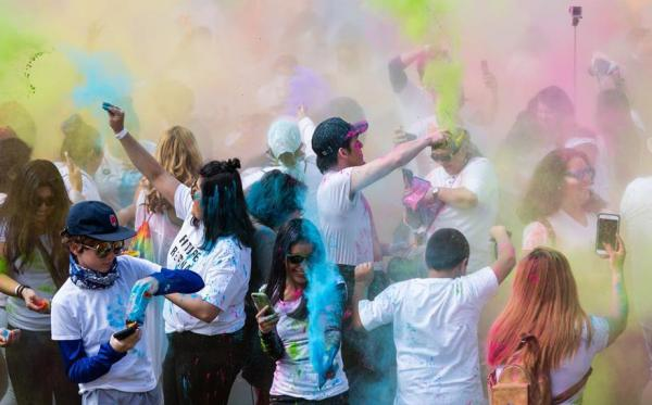 97 12 c36 1267 - جشن رنگ ها در لس آنجلس/ تصاویر