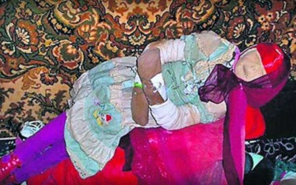 تبدیل اجساد گورستان به عروسک,اخبار حوادث,خبرهای حوادث,جرم و جنایت