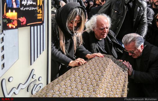 تصاویر مراسم تشییع خشایار الوند,عکسهای مراسم تشییع خشایار الوند,عکس های مراسم خاکسپاری خشایار الوند