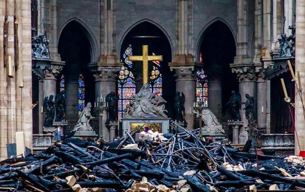 تقدیر پاپ از آتشنشانان نوتردام,اخبار سیاسی,خبرهای سیاسی,سیاست