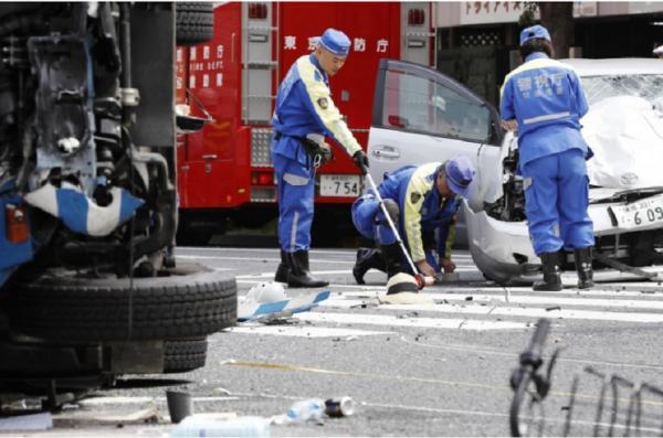 حمله خودرو به عابران,اخبار حوادث,خبرهای حوادث,جرم و جنایت