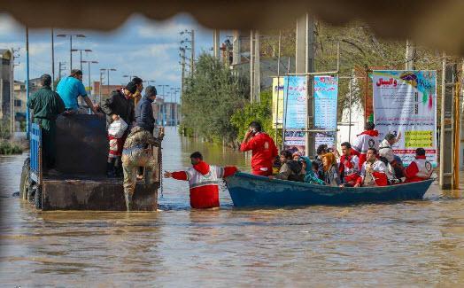سلحشوری: هلال احمر با ارتش و سپاه تقسیم کار کند
