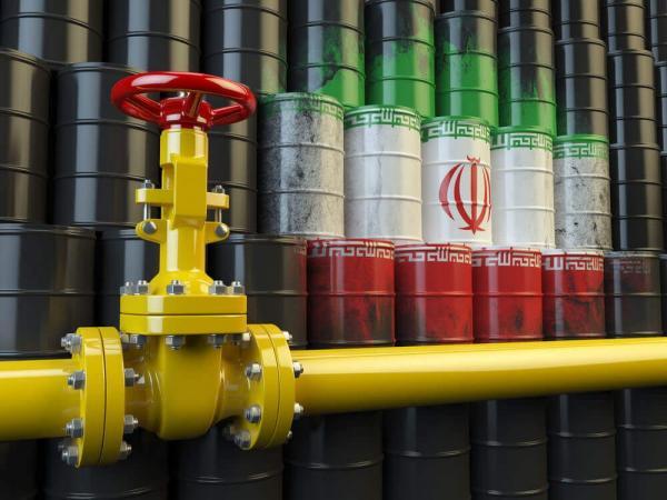آمریکا معافیت تحریمی ۴ کشور را برای خرید نفت ایران تمدید میکند
