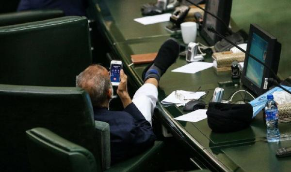 عکس جنجالی نماینده مجلس,اخبار سیاسی,خبرهای سیاسی,مجلس