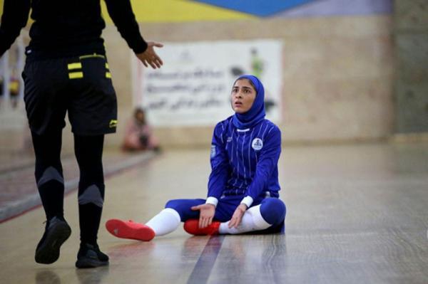 آرزو صدقیانی زاده، بازیکن تیم ملی فوتسال زنان: ناچار به کنار گذاشتن ورزش هستم